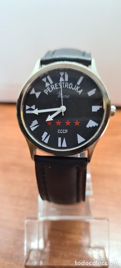 RELOJ (VINTAGE) CABALLERO MICRO CUARZO EN ACERO, ESFERA NEGRA, AGUJAS ACERO BLANCAS, CORREA CUERO. (Relojes - Relojes Actuales - Otros)