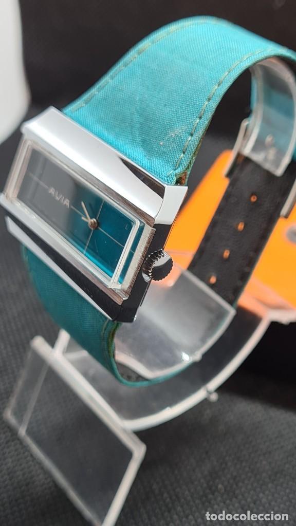 Relojes: Reloj unisex (Vintage) AVIA cuerda manual en acero, esfera color azul, correa cuero azul. FHF 74. - Foto 4 - 255934770