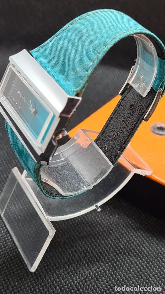 Relojes: Reloj unisex (Vintage) AVIA cuerda manual en acero, esfera color azul, correa cuero azul. FHF 74. - Foto 6 - 255934770