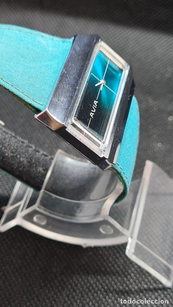 Relojes: Reloj unisex (Vintage) AVIA cuerda manual en acero, esfera color azul, correa cuero azul. FHF 74. - Foto 7 - 255934770