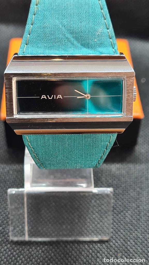 Relojes: Reloj unisex (Vintage) AVIA cuerda manual en acero, esfera color azul, correa cuero azul. FHF 74. - Foto 10 - 255934770
