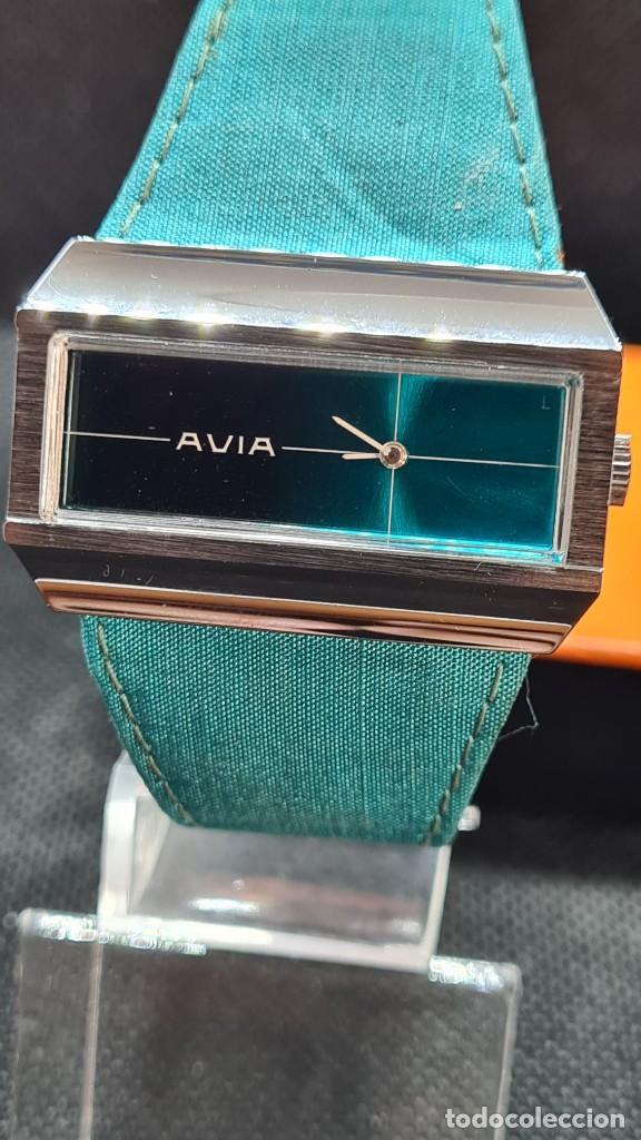 Relojes: Reloj unisex (Vintage) AVIA cuerda manual en acero, esfera color azul, correa cuero azul. FHF 74. - Foto 12 - 255934770