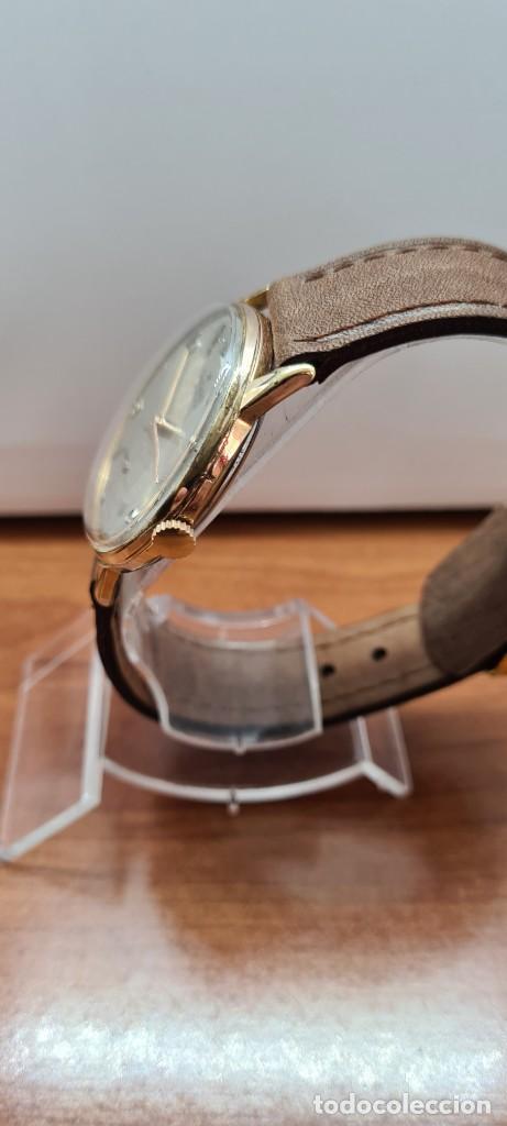 Relojes: Reloj caballero (Vintage) RADIANT, cuerda chapado oro, esfera blanca con segundero las seis, correa - Foto 7 - 257977085