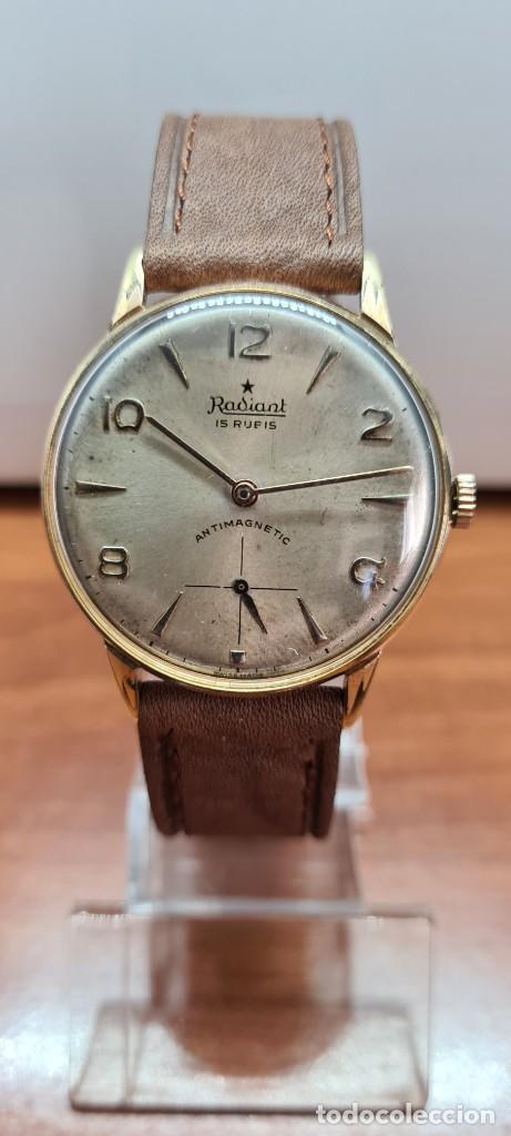 Relojes: Reloj caballero (Vintage) RADIANT, cuerda chapado oro, esfera blanca con segundero las seis, correa - Foto 11 - 257977085