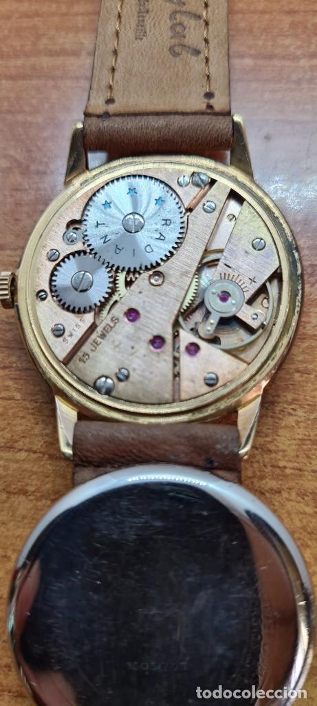 Relojes: Reloj caballero (Vintage) RADIANT, cuerda chapado oro, esfera blanca con segundero las seis, correa - Foto 16 - 257977085