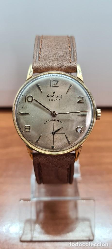 Relojes: Reloj caballero (Vintage) RADIANT, cuerda chapado oro, esfera blanca con segundero las seis, correa - Foto 18 - 257977085