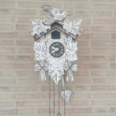 Relojes: RELOJ CUCO ELECTRONICO. FUNCIONANDO OK. SALIDA DE PÁJARO Y CANTO CADA HORA. MEJOR VER VÍDEO. Lote 281848778