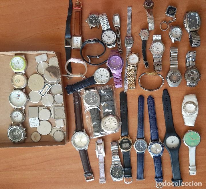 SINGULAR LOTE DE 35 RELOJES USADOS Y COMPLEMENTOS (Relojes - Relojes Actuales - Otros)
