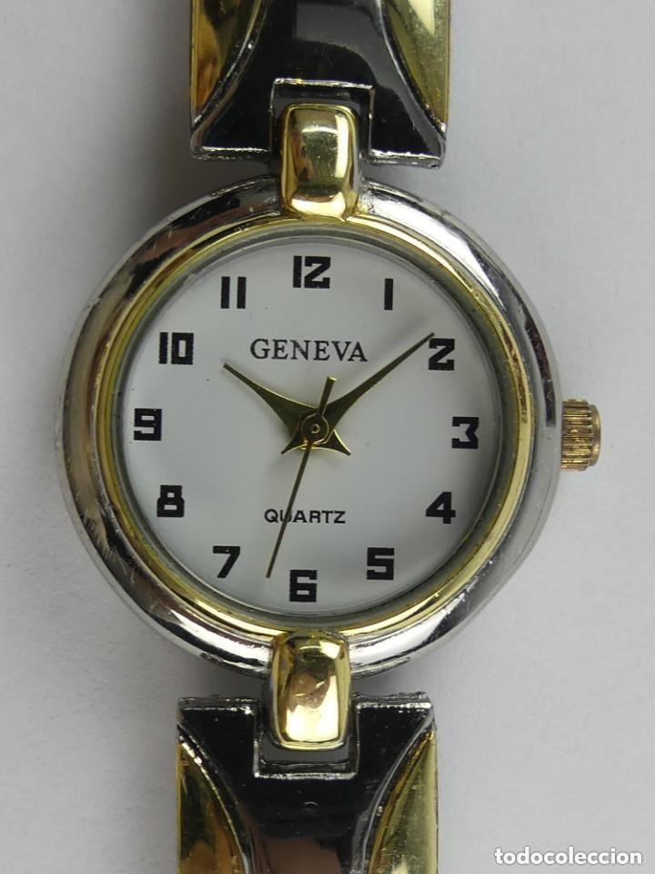 RELOJ DE PULSERA GENEVA DORADO Y CROMADO QUARTZ (Relojes - Relojes Actuales - Otros)