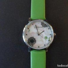 Relojes: RELOJ DE CORREA CUERO O POLIPIEL VERDE Y ACERO .MARCA CAPRICCIO. ESFERA FLORES. SIGLO XXI. Lote 287315328