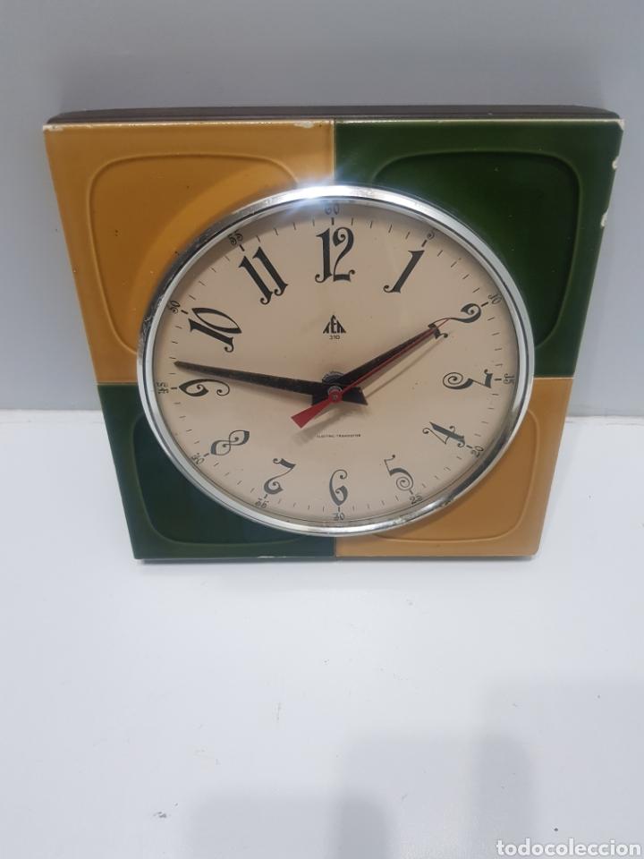 ANTIGUO RELOJ DE PARED (Relojes - Relojes Actuales - Otros)