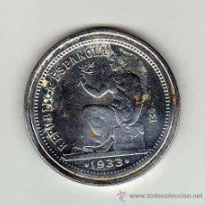 Reproducciones billetes y monedas: II REPÚBLICA : 1 PESETA 1933 ( FNMT AÑO 2002 ) BAÑADA EN PLATA. . Lote 41499045