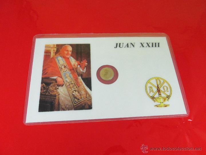 *TARJETA CONMEMORATIVA-JUAN XXIII-MONEDA INTERIOR-NUEVA-COLECCIONISMO-VER FOTOS. (Numismática - Reproducciones)