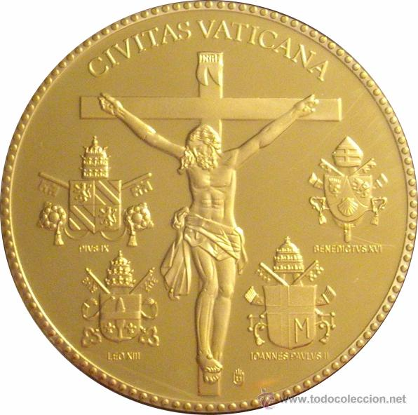 Reproducciones billetes y monedas: VATICANO. MEDALLA BENEDICTO XVI. ESMALTADA 2005 - Foto 2 - 50611607