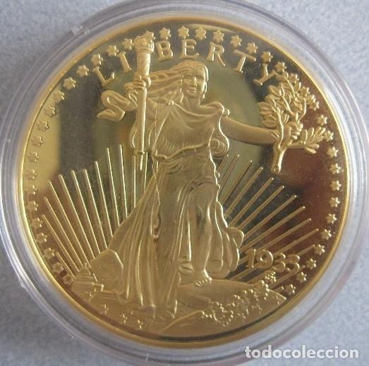 BONITA REPRODUCCION DEL GOLD EAGLE DOLAR 1933 PROCEDENTE DE ALEMANIA EDICION LIMITADA Y CERTIFICADA (Numismática - Reproducciones)
