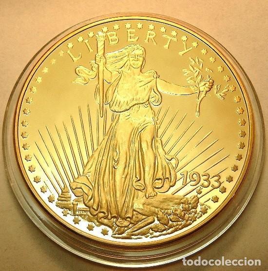 BONITA REPRODUCCION DEL GOLD EAGLE DOLAR 1933 PROCEDENTE DE ESTADOS UNIDOS EDICION LIMITADA (Numismática - Reproducciones)