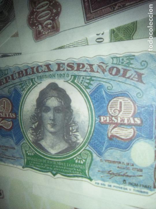 Reproducciones billetes y monedas: EL PAPEL DE LA PESETA UNA SELECCION EXCLUSIVA DE 40 BILLETES HISTORICOS COMPLETA EL PAIS FNMT - Foto 7 - 114531515