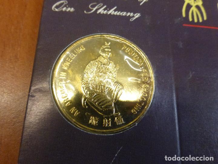 Reproducciones billetes y monedas: MONEDA CONMEMORATIVA CHINA EN BLISTER - MUSEUM OF TERRACOTTA WARRIORS - GUERREROS TERRACOTA - Foto 5 - 116910439