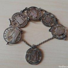 Reproducciones billetes y monedas: ANTIGUA PULSERA MONEDAS ESPAÑOLAS, PLATA.. Lote 127631716