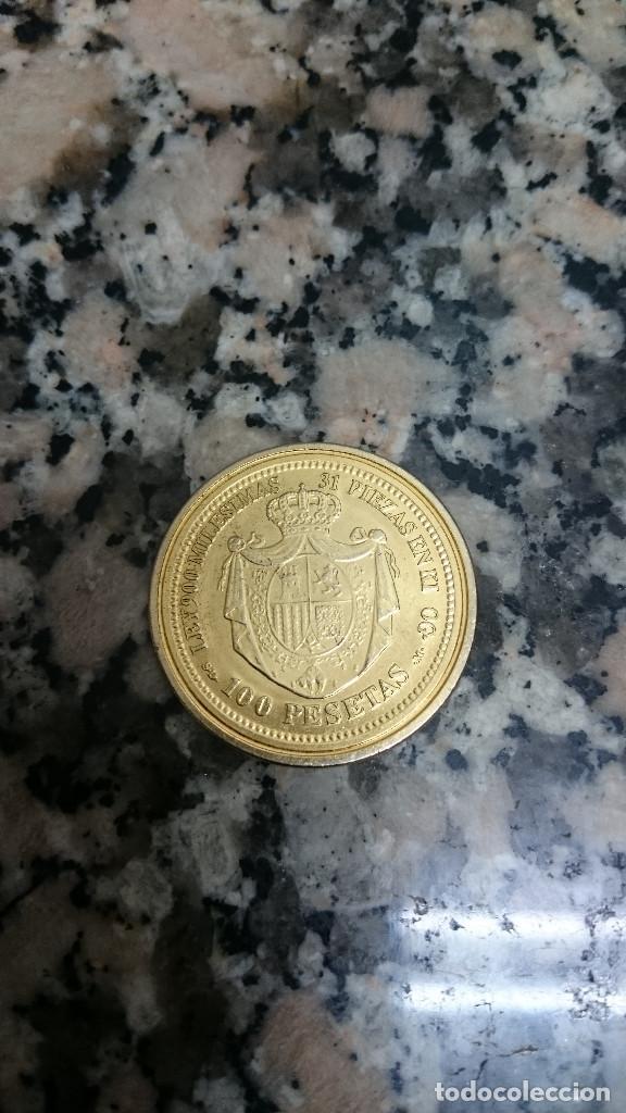 Reproducciones billetes y monedas: MONEDA REPRODUCCIÓN DE ORO ESPAÑA 100 PESETAS 1870 - Foto 2 - 141739894