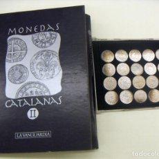 Reproducciones billetes y monedas: COLECCION DE 20 MONEDAS CATALANAS DE PLATA 800/1000 DE LA VANGUADIA CON LAS FICHAS. Lote 149859938
