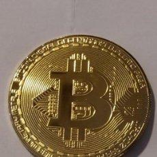 Reproducciones billetes y monedas: BIT COIN CON BAÑO DORADO. Lote 205876448