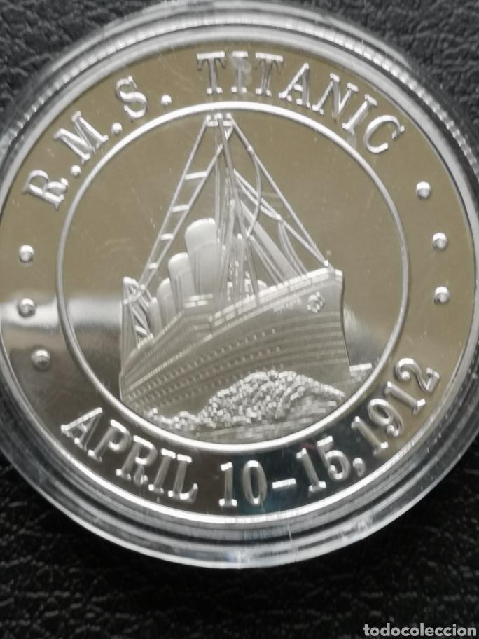 Reproducciones billetes y monedas: Moneda o medalla conmemorativa del Titanic. - Foto 2 - 163524477