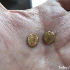 Reproducciones billetes y monedas: DOS MONEDITAS ORO 22 KTES HGE. MEJICO Y USA.. Lote 166213306