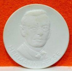 Reproductions billets et monnaies: MEDALLA CERAMICA DE HERMANN HESSE – 150 AÑOS ORDEN POUR LE MERITE - ALEMANIA. Lote 168490572