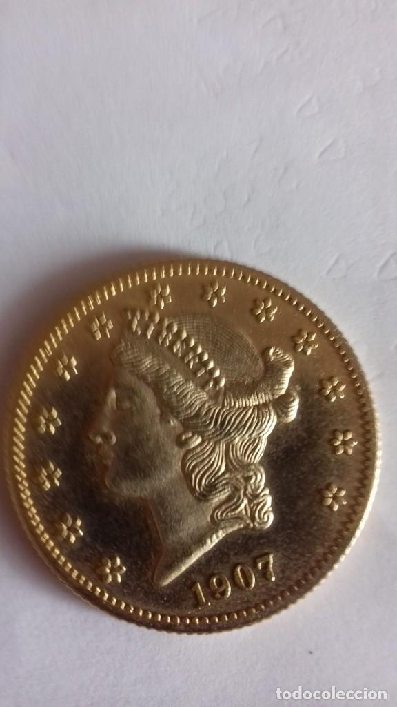 Reproducciones billetes y monedas: Copia en metal dorado de 20 Dolares morgan - Foto 3 - 175850629