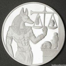 Reproducciones billetes y monedas: PRECIOSA MONEDA CONMEMORATIVA DIOS ANUBIS ACABADO EN PLATA .. Lote 176827325