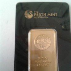 Reproducciones billetes y monedas: REPRODUCCIÓN LINGOTE 1 OZ ORO PURO PERTH MINT. Lote 180212358