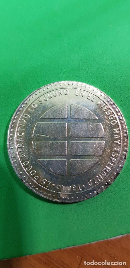 Reproducciones billetes y monedas: MEDALLA PARA EL 15 ANIVERSARIO DEL DIARIO EL MUNDO 1989-2004. REVERSO CITA DE ... - Foto 2 - 180966166