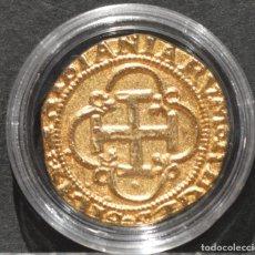 Reproducciones billetes y monedas: BONITA REPRODUCCIÓN MONEDA DE ORO 1 ESCUDO SEVILLA JUANA CARLOS ESPAÑA METAL BAÑO DE ORO PURO. Lote 186152381