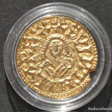 Reproducciones billetes y monedas: BONITA REPRODUCCIÓN MONEDA DE ORO TRIENTE BISIGODO DE SUINTILA METAL BAÑO DE ORO PURO . Lote 186174412