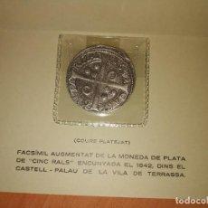 Reproducciones billetes y monedas: FASCÍMIL MONEDA 5 REALES 1642 . Lote 187166662