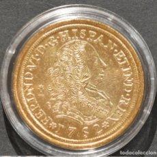 Reproducciones billetes y monedas: REPRODUCCIÓN MONEDA DE ORO 8 ESCUDOS 1752 LIMA FERNANDO VI METAL CON BAÑO DE ORO PURO. Lote 189235615