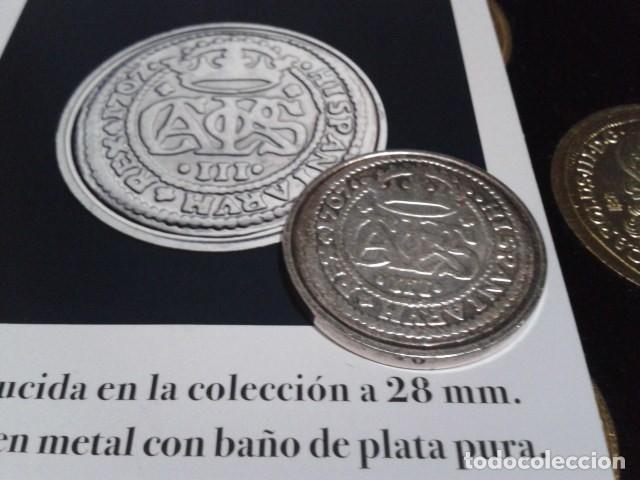 Reproducciones billetes y monedas: MONEDA ARCHIDUQUE CARLOS 2 REALES 1707 BARCELONA BAÑO DE PLATA PURA A 28 mm CON CERTIFICADO FNMT - Foto 2 - 189591315