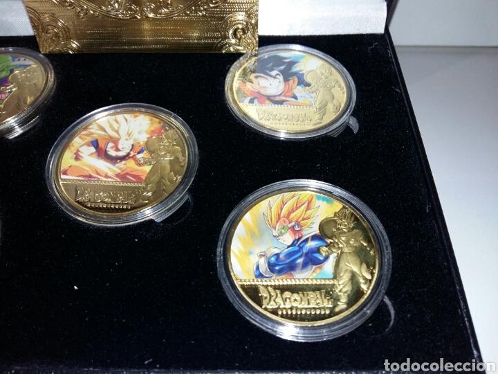 Reproducciones billetes y monedas: Lote Monedas dragon ball z en caja. Reproducción en metal. - Foto 3 - 190871608