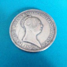 Reproducciones billetes y monedas: 20 REALES ISABEL II 1852 TAMAÑO DURO MUY BONITA BAÑO DE PLATA REPLICA. Lote 196506290