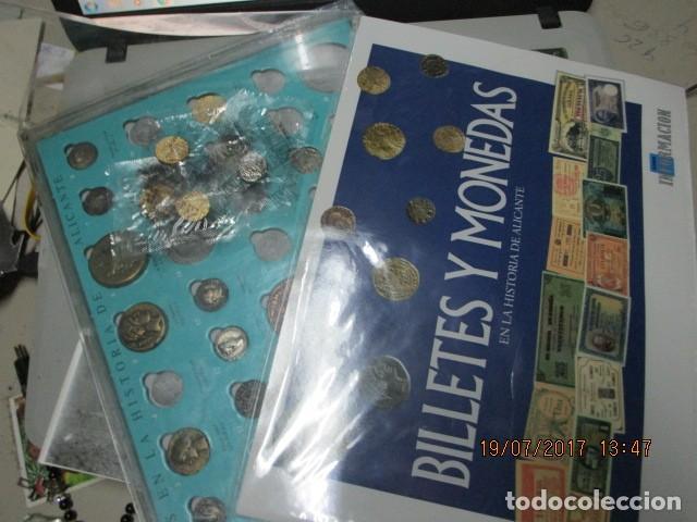 Reproducciones billetes y monedas: HISTORIA DE ALICANTE BILLETES Y MONEDAS COMPLETO ALBUM Y VITRINA DE MONEDAS - Foto 2 - 159837954