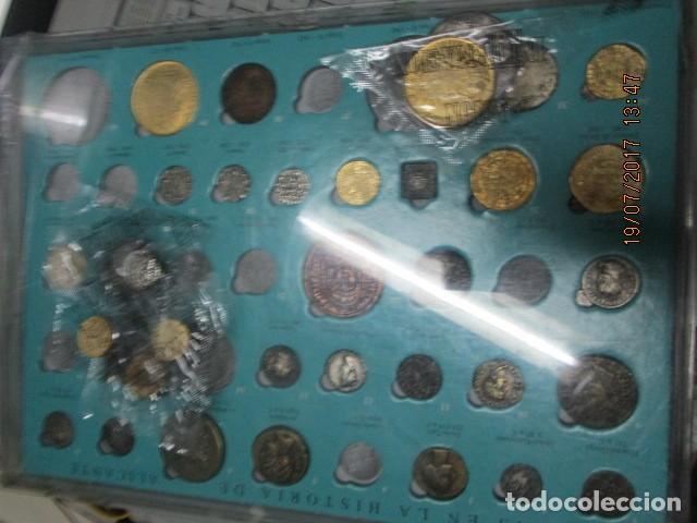 Reproducciones billetes y monedas: HISTORIA DE ALICANTE BILLETES Y MONEDAS COMPLETO ALBUM Y VITRINA DE MONEDAS - Foto 9 - 159837954