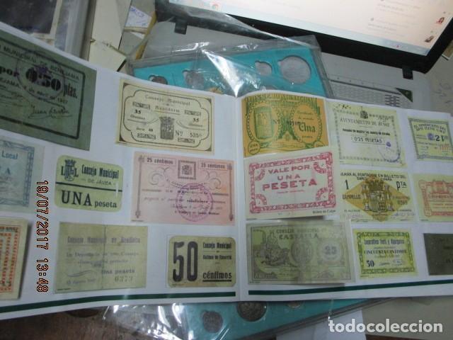 Reproducciones billetes y monedas: HISTORIA DE ALICANTE BILLETES Y MONEDAS COMPLETO ALBUM Y VITRINA DE MONEDAS - Foto 14 - 159837954
