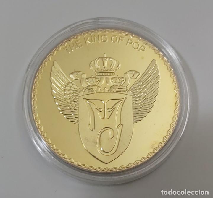 Reproducciones billetes y monedas: EL REY DEL POP MICHAEL JACKSON, MONEDA CONMEMORATIVA DE SU ÚLTIMO TRABAJO. THIS IS IT. - Foto 5 - 197480235