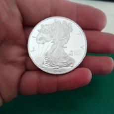 Reproducciones billetes y monedas: ONZA DE PLATA USA LIBERTY BAÑO DE PLATA. Lote 201341975