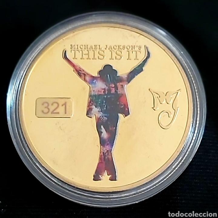 Reproducciones billetes y monedas: EL REY DEL POP MICHAEL JACKSON, MONEDA CONMEMORATIVA DE SU ÚLTIMO TRABAJO. THIS IS IT. - Foto 2 - 197480235