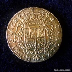 Reproducciones billetes y monedas: MONEDA DE ORO OCHO ESCUDOS CARLOS II 1699. Lote 210265171