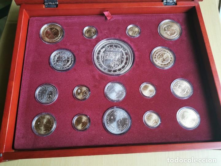 LA HISTORIA DE LA MONEDA ESPAÑOLA 17 MONEDAS DE PLATA Y ORO EMISIÓN ESPECIAL CONMEMORATIVA FNMT (Numismática - Reproducciones)