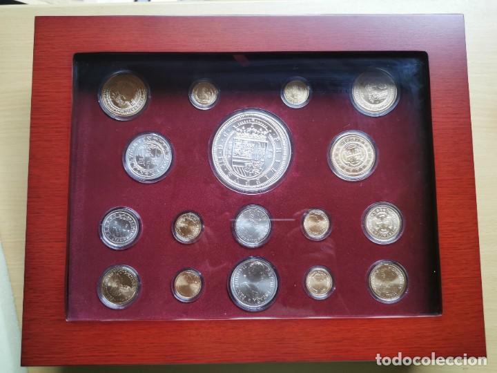 Reproducciones billetes y monedas: LA HISTORIA DE LA MONEDA ESPAÑOLA 17 MONEDAS DE PLATA Y ORO EMISIÓN ESPECIAL CONMEMORATIVA FNMT - Foto 3 - 218581483