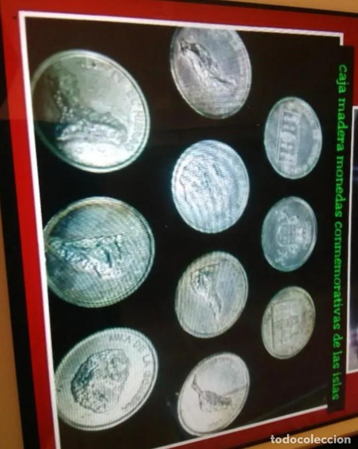 CAJA MADERA Y TAPA METRAQUILATO CON MONEDAS CONMEMORATIVAS DE LAS ISLAS CANARIAS (Numismática - Reproducciones)